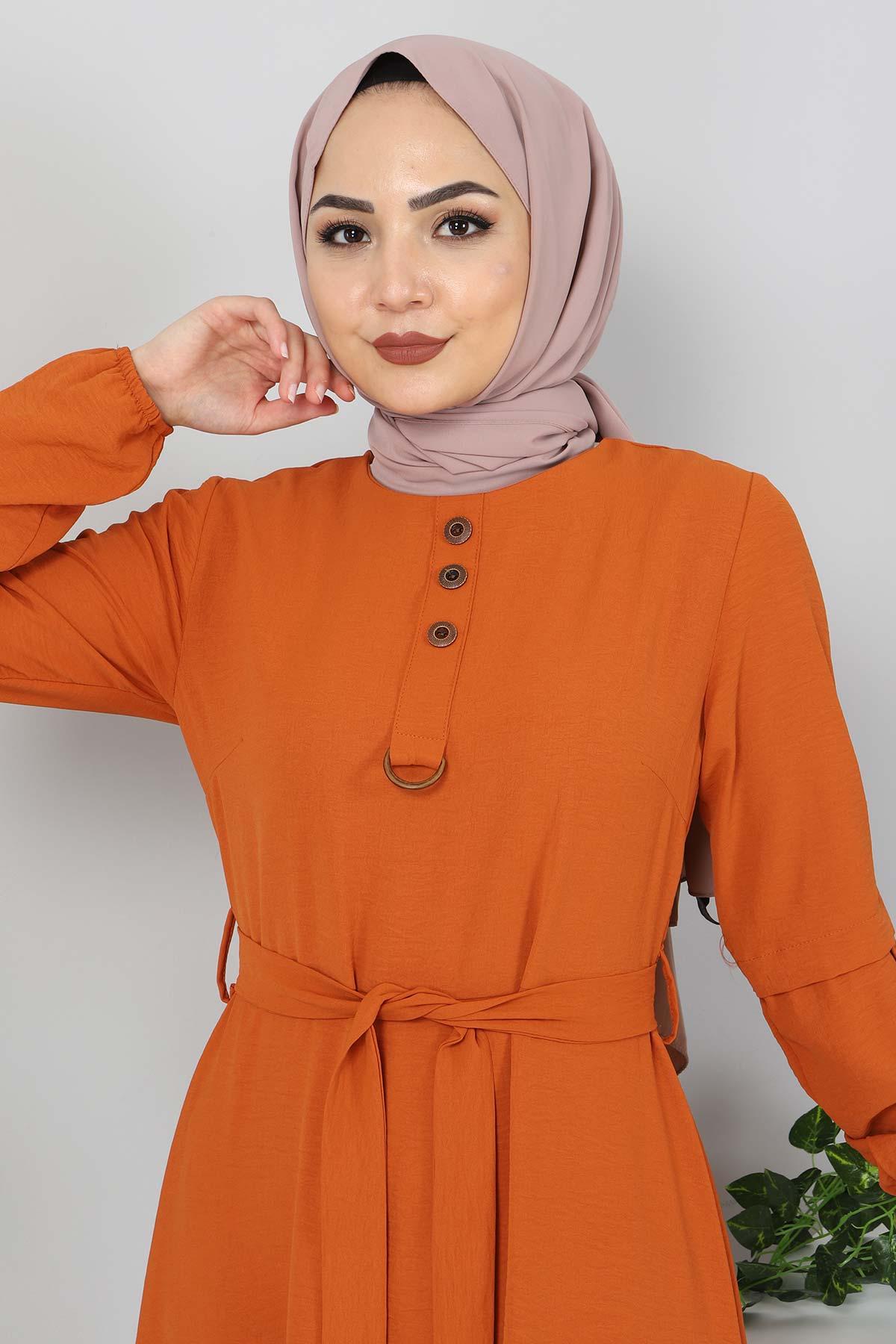 Kolları Düğme Detaylı Tesettür Elbise TSD4401 Kiremit
