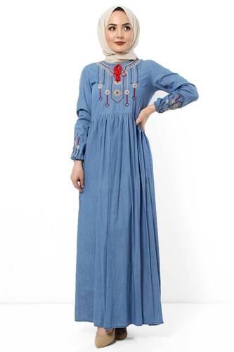 Tesettür Dünyası - Kolları ve Önü Nakışlı Kot Elbise TSD2863 Mavi