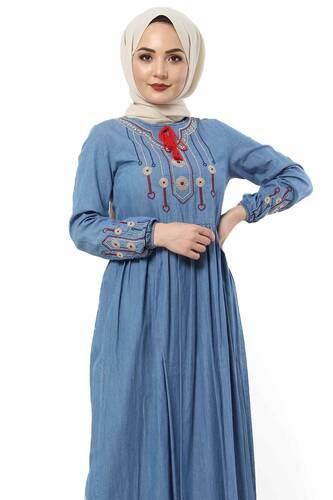 Tesettür Dünyası - Kolları ve Önü Nakışlı Kot Elbise TSD2863 Mavi (1)
