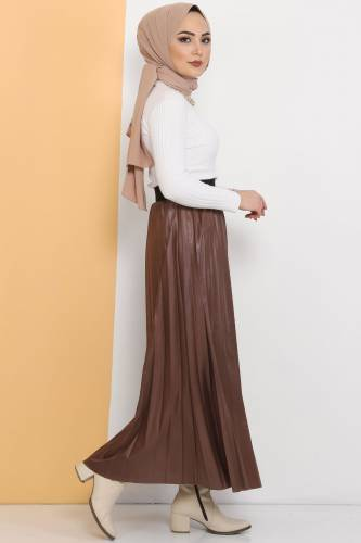 Tesettür Dünyası - Pleated Leather Look Skirt TSD1741 Brown (1)