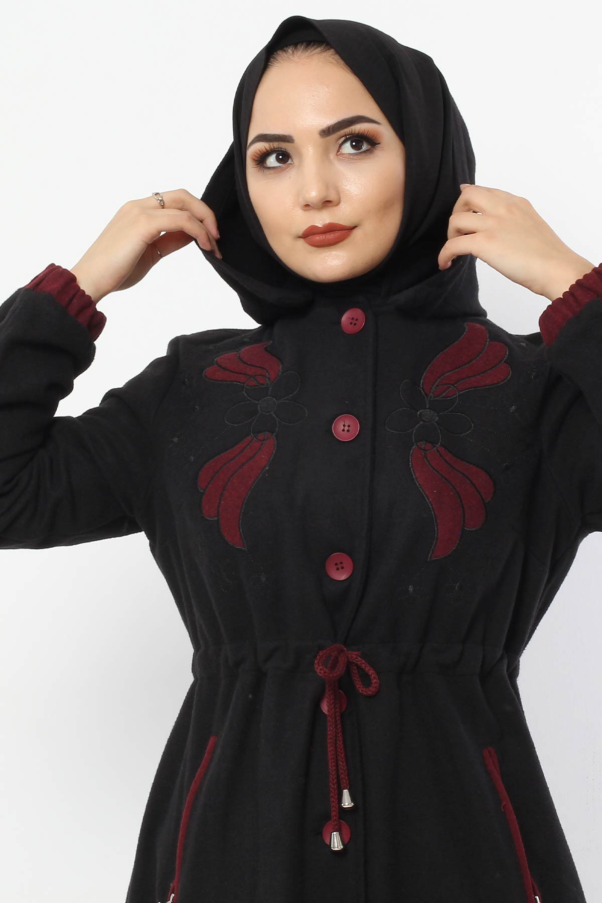معطف صوف مطرز TSD0223 أسود