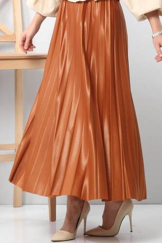 Tesettür Dünyası - TSD1741 Pleated Leather Skirt Brown to Orange. (1)