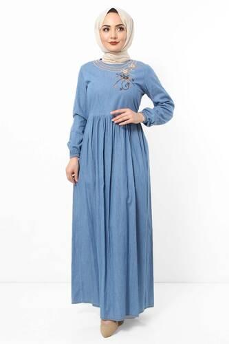 Tesettür Dünyası - Yakası Çiçek Nakışlı Kot Elbise TSD2506 Mavi