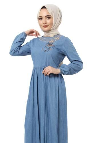 Tesettür Dünyası - Yakası Çiçek Nakışlı Kot Elbise TSD2506 Mavi (1)
