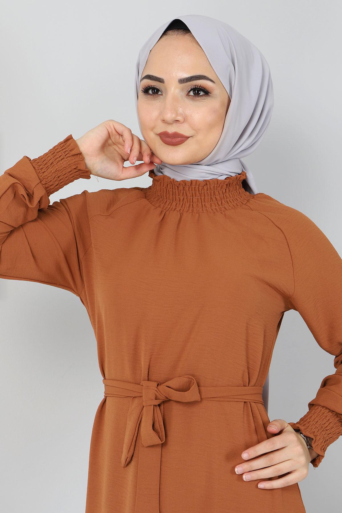Yakası Lastikli Elbise TSD2894 Taba